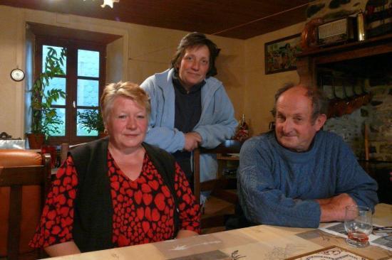 M. et Mme Roussy et Isabelle Dieux